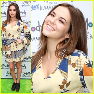 Zoey Deutch Has A 'Not Bummer Summer'