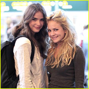 Britt Robertson & Shelley Hennig: 'The Secret Circle' Starts!