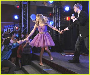 Leo Howard: Tug-O-War with Olivia Holt!