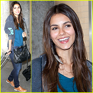 Victoria Justice: LAX Landing