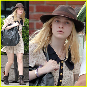Dakota Fanning: Strolling Through Soho!