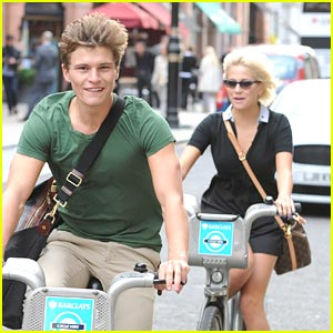 Pixie Lott & Oliver Cheshire: Cycling Sweeties