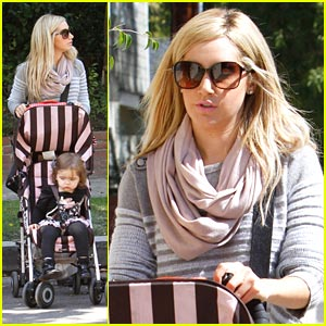 Ashley Tisdale: Girl's Lunch with Mikayla!