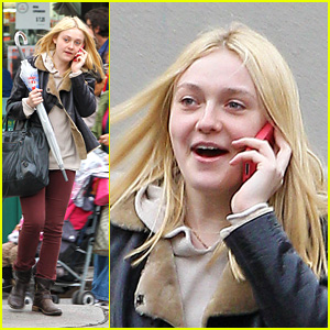 Dakota Fanning: Cell Phone Chatting Cutie