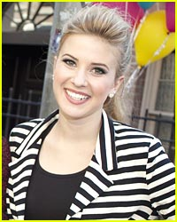 Caroline Sunshine Puts What on Everything?!