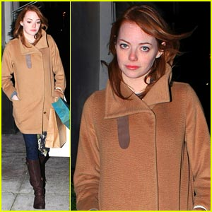 Emma Stone: Pink Lipstick Pioneer