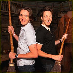 James & Oliver Phelps: Broom Brothers!