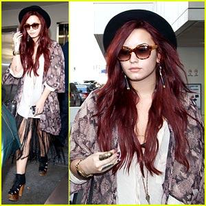 Demi Lovato: Fun in Fringe!