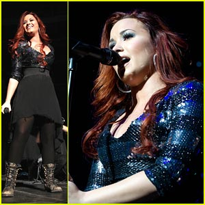 Demi Lovato: Q102 Jingle Ball QT!