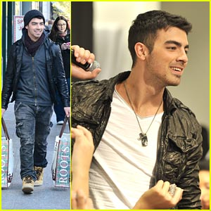 Joe Jonas: Calvin Klein Opening in Toronto!