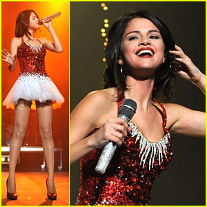 Selena Gomez: Jingle Ball in Sacramento!