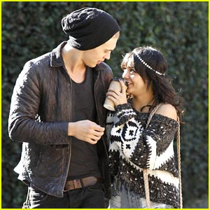 Vanessa Hudgens: Saturday Stroll with Austin Butler