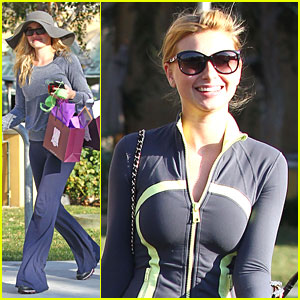 Aly &#038; AJ Michalka: Siany Shoppers