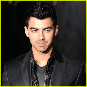 Joe Jonas: Calvin Klein Fashion Show in Milan!
