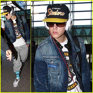 Justin Bieber Flies To France