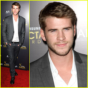 Liam Hemsworth: Australian Academy Awards 2012