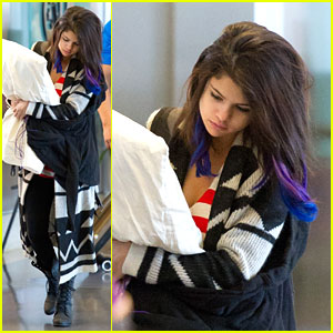 Selena Gomez Has a Pillow Pal