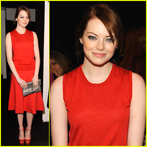 Emma Stone: Oscars 2012 Presenter!