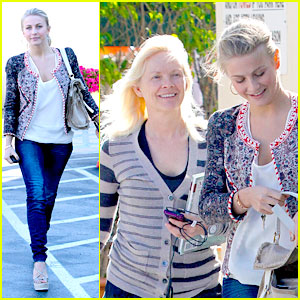Julianne Hough: Cafe Med with Mom