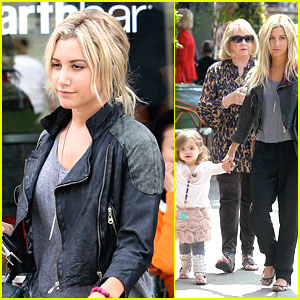 Ashley Tisdale: Lunchtime with Mikayla!