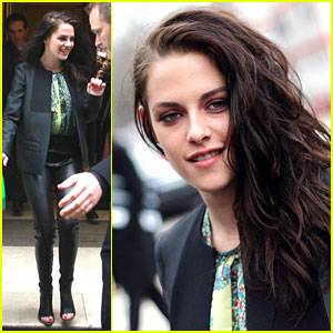 Kristen Stewart: Balenciaga Show at Paris Fashion Week!