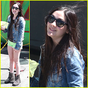Isabelle Fuhrman: Lime Green Shorts!