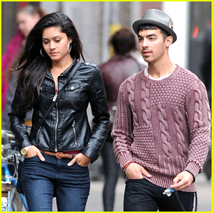 Joe Jonas: Soho Stroll Stud