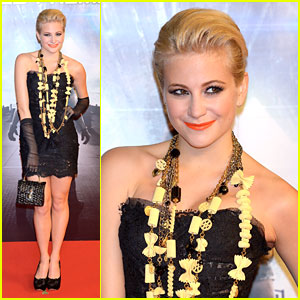 Pixie Lott: 'Battleship' Premiere in Japan