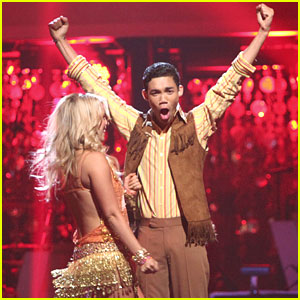 Roshon Fegan Keeps 'Dancing With The Stars'