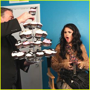 Selena Gomez: Hello, Cupcakes!