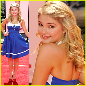 Stefanie Scott: 'The Three Stooges' Premiere