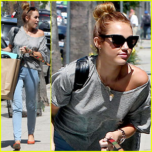 Miley Cyrus: Shopping with Mary Jane!