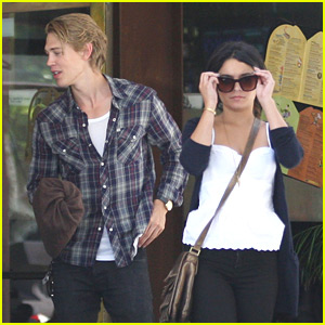 Vanessa Hudgens &#038; Austin Butler: Newsroom Cafe Couple