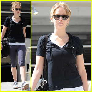 Jennifer Lawrence: Gym Girl!