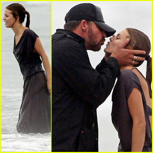 AnnaLynne McCord: Beach Birthday Kisses