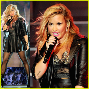 Demi Lovato Goes To The Greek