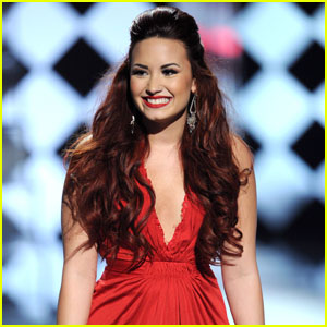 Demi Lovato: Teen Choice Awards Host!