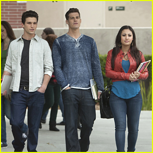 Francia Raisa & Daren Kagasoff: First Day of College on 'Secret Life'