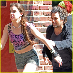 Hailee Steinfeld Runs For Her Life on 