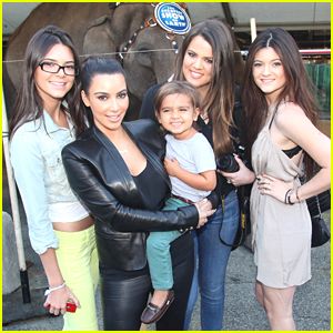 Kendall &#038; Kylie Jenner Join The Circus!