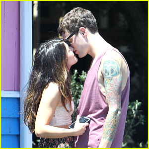 Shenae Grimes: Pink Taco Kisses with Josh Beech