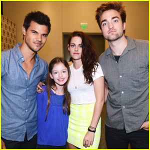 Mackenzie Foy Brings Renesmee to Comic-Con