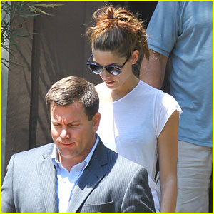 Ashley Greene: House Hunting Hottie