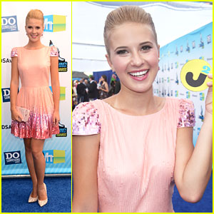 Caroline Sunshine: Do Something Awards 2012