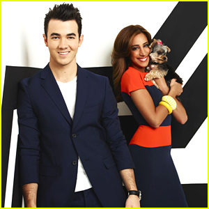 Kevin & Danielle Jonas: 'Married To Jonas' Promo Pics!