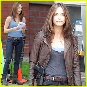 Kristin Kreuk: 'Beauty &#038; The Beast' On Set Pics