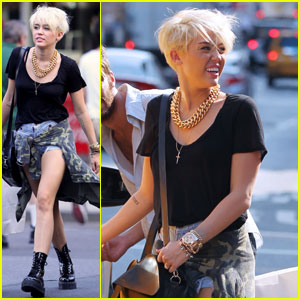 Miley Cyrus: Shopping Spree