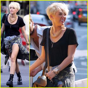 Miley Cyrus: Shopping Spree