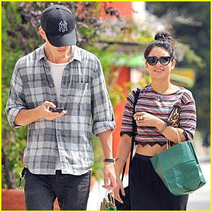 Vanessa Hudgens &#038; Austin Butler: Hollywood Stroll