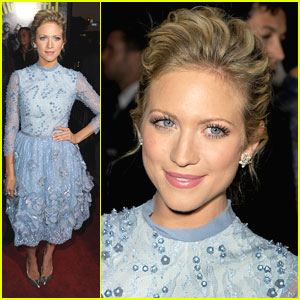 Brittany Snow Premieres 'Pitch Perfect'